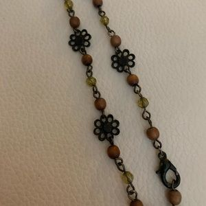 Jewelry - Vintage 1990s choker flower and bead necklace